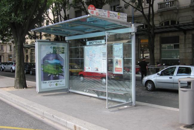 Bus shelters Lyon